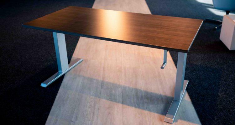 Een verstelbaar bureau